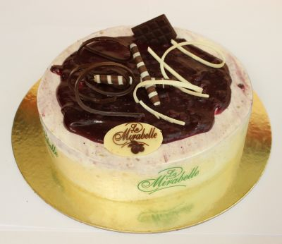 Cheesecake Ice Cream Cake - 8 Persons